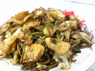 米子市ラーメン歩味(あゆみ)の焼きそばイカ画像